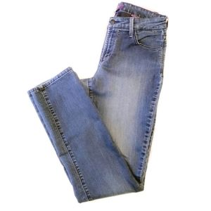 💝FINAL SALE! NYDJ Not Your Daughters Jean Size 4